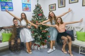 сказочный новый год и девочки